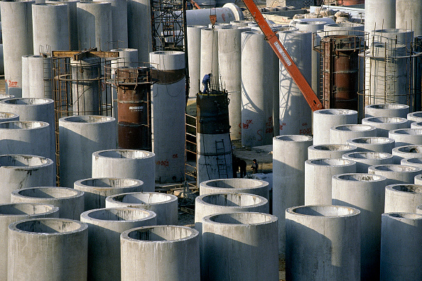 Risk「Construction of slipcast reinforced concrete sewage outfall pipes. Piraeus, port of Athens, Greece.」:写真・画像(5)[壁紙.com]
