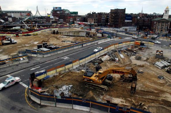 Digging「Construction Surrounds DNC Site In Boston」:写真・画像(15)[壁紙.com]
