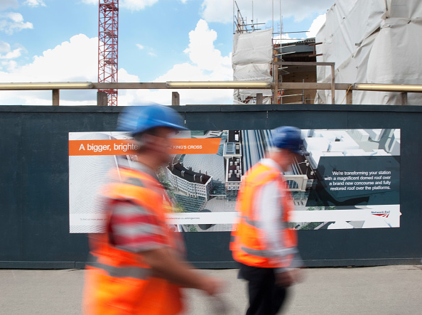 Motion「Construction workers at Kings Cross Station, London, UK」:写真・画像(9)[壁紙.com]
