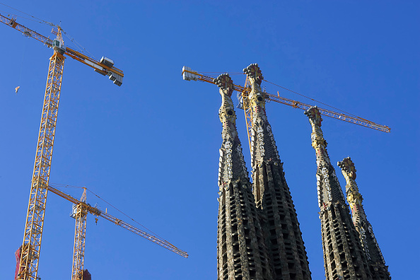 サグラダ・ファミリア「Construction of the Sagrada Familia cathedral. Barcelona, Catalunya, Spain. Cathedral designed by Antoni Gaudi.」:写真・画像(18)[壁紙.com]