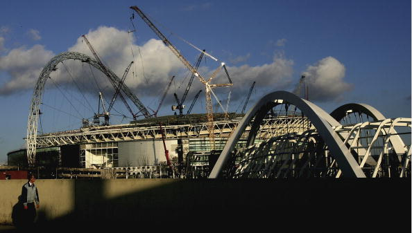 Construction Machinery「Deadline Looms For Wembley Cup-Final Decision」:写真・画像(16)[壁紙.com]