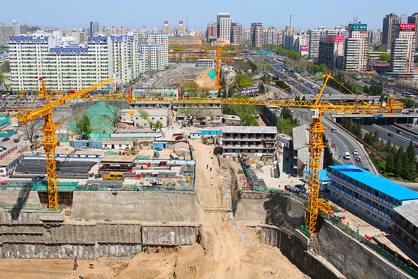 Urban Skyline「A construction site on the intersection of the second ring road at Dongzhimen. Central Beijing.」:写真・画像(11)[壁紙.com]