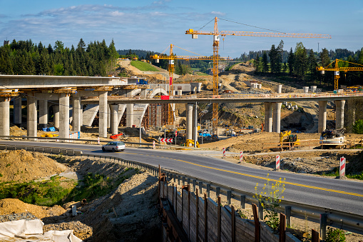 Construction Vehicle「Construction of the viaduct on the new S7 highway, Skomielna Biala, Poland」:スマホ壁紙(1)