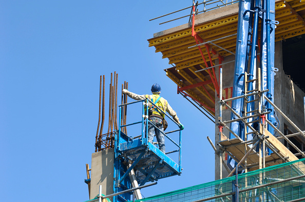 High Angle View「Construction worker working on platform, New Street Square, London, UK, by Bennetts Associates and Land Securities」:写真・画像(5)[壁紙.com]