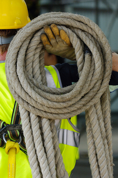 Carrying「Construction worker with safety belt and rope on his shoulders」:写真・画像(18)[壁紙.com]