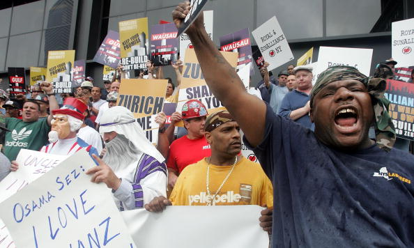 Insurance「Construction Workers Protest Lack Of Progress On Freedom Tower」:写真・画像(13)[壁紙.com]