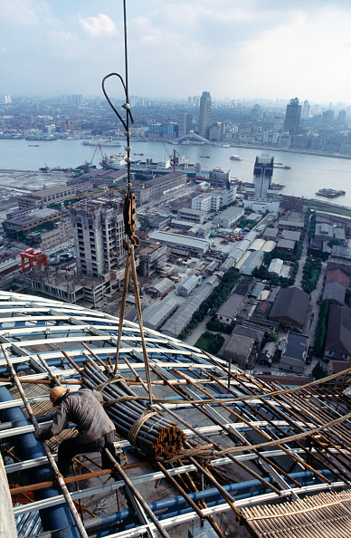 Bundle「Construction of the famous landmark tv tower in Pudong development zone of Shanghai China - the tower has long since become the symbol of the city with its two globe forms separated by a tower」:写真・画像(6)[壁紙.com]