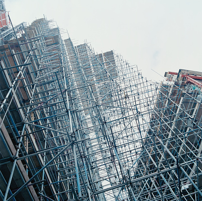 Solid「Construction scaffolding, low angle」:スマホ壁紙(15)