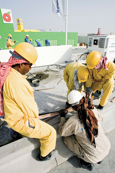 Occupational Safety And Health「Construction at the Festival City at Al Garhoud, Dubai, United Arab Emirates, December 2006.」:写真・画像(16)[壁紙.com]