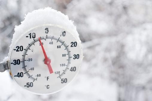 Frozen「Frozen Thermometer near Yellowknife.」:スマホ壁紙(19)