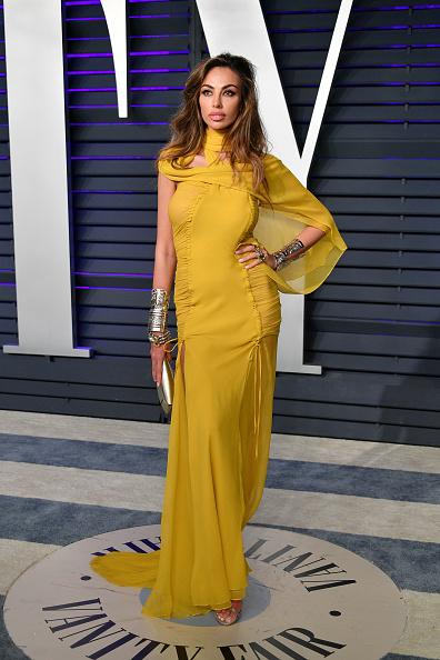 Yellow Dress「2019 Vanity Fair Oscar Party Hosted By Radhika Jones - Arrivals」:写真・画像(10)[壁紙.com]