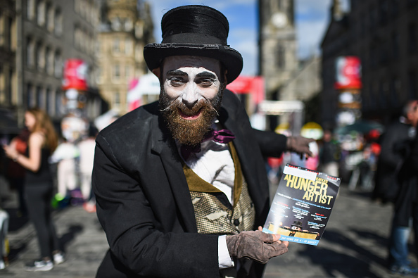 Jeff J Mitchell「Street Entertainers At The Festival Fringe On The Royal Mile」:写真・画像(8)[壁紙.com]