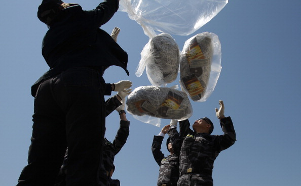 Handout「North Korean Defectors Launch Propaganda Balloons In Protest Against Nuclear Testing」:写真・画像(6)[壁紙.com]