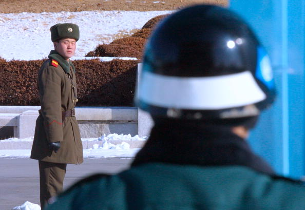 North「Tensions Increase On DMZ Over North Korea's Nuclear Crisis」:写真・画像(3)[壁紙.com]