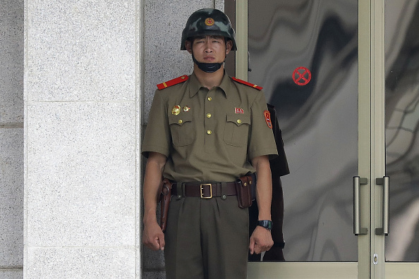 Chung Sung-Jun「Panmunjom On High Alert As Tension Rising After North Korea's ICBM Missile Launch」:写真・画像(16)[壁紙.com]