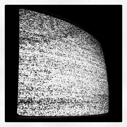 Concave「Static on TV」:スマホ壁紙(18)