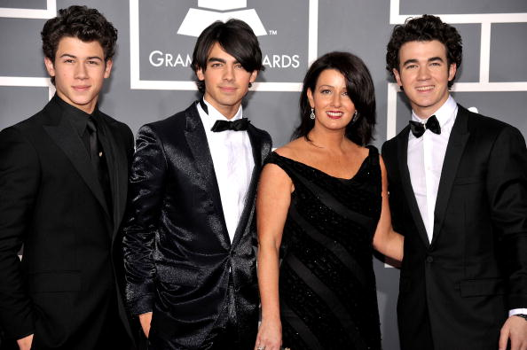 Parent「51st Annual Grammy Awards - Arrivals」:写真・画像(6)[壁紙.com]