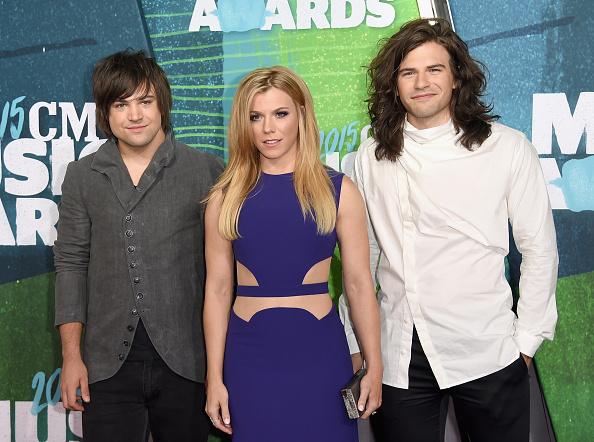 Three Quarter Length「2015 CMT Music Awards - Arrivals」:写真・画像(17)[壁紙.com]