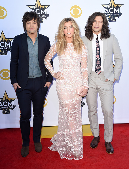 T 「50th Academy Of Country Music Awards - Arrivals」:写真・画像(10)[壁紙.com]