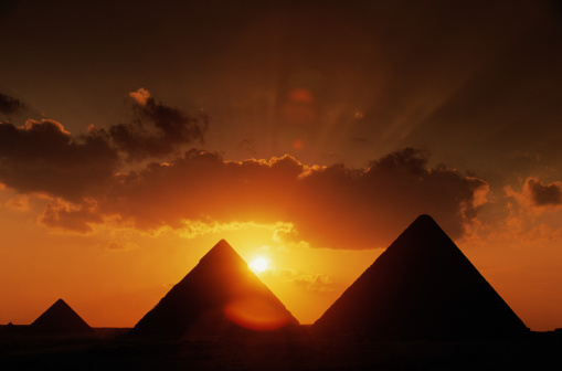 Ancient Civilization「Pyramids and Sunset in Cairo, Egypt」:スマホ壁紙(17)