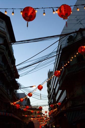 Chinese Lantern「Chinese lanterns night time back street Chinatown」:スマホ壁紙(18)