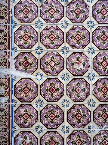 Equality「Portugal, Lisbon, Azulejo at a facade」:スマホ壁紙(13)