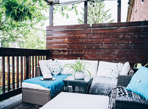 City Life「Outdoor patio deck in summer」:スマホ壁紙(14)