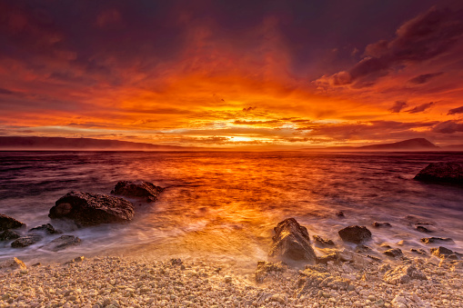 Wave「地中海の海の嵐の夕日」:スマホ壁紙(3)