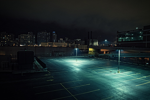 Spooky「Big deserted urban city parking lot and garage at night in Chicago.」:スマホ壁紙(9)
