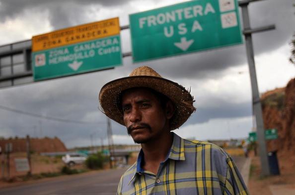 アメリカ合州国「Tensions On The Rise As Arizona Immigration Law Deadline Nears」:写真・画像(4)[壁紙.com]