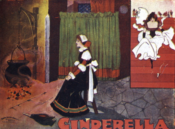 Cinderella「Cinderella by the fire cinders in the kitchen, (wicked stepsister in background). Based on the fairy tale by Jakob & Wilhelm Grimm.」:写真・画像(15)[壁紙.com]