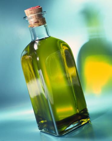 Vinaigrette Dressing「Bottle of olive oil」:スマホ壁紙(14)