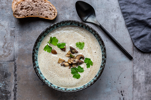 Coconut Milk「Creme of mushroom soup with cocosnut milk, parsley and baguette」:スマホ壁紙(11)