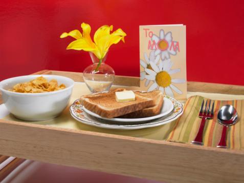 母の日「Mother's day breakfast in bed」:スマホ壁紙(12)