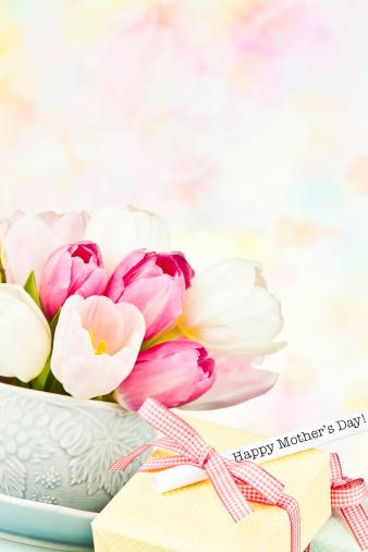 母の日「母の日のブーケ、ギフト」:スマホ壁紙(17)