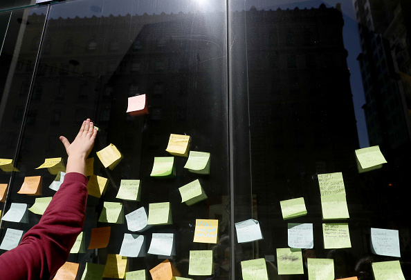 Adhesive Note「Students Walk Out Of School As Part Of Worldwide Youth Climate Strike」:写真・画像(12)[壁紙.com]