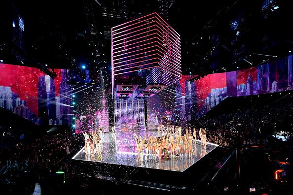 Victoria's Secret「2017 Victoria's Secret Fashion Show In Shanghai - Show」:写真・画像(1)[壁紙.com]