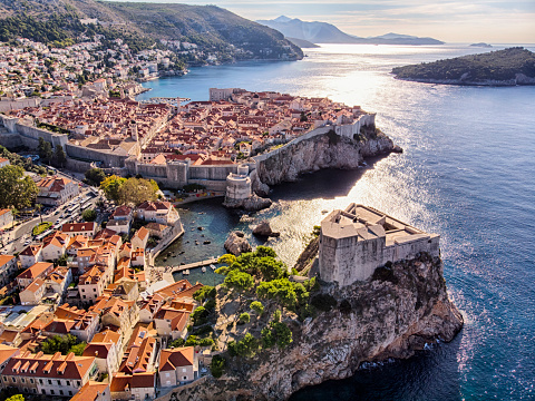 Old Town「Old Town and Fort Lovrijenac aerial view in Dubrovnik」:スマホ壁紙(15)
