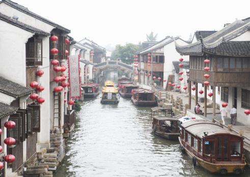 Chinese Lantern「Old town and canal」:スマホ壁紙(19)