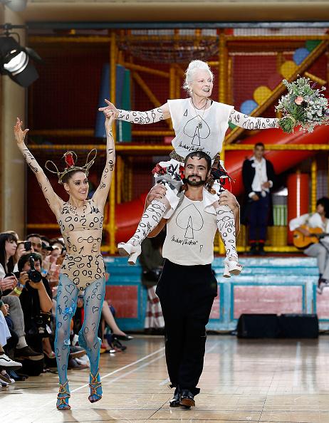 ロンドンファッションウィーク「Vivienne Westwood - Runway - LFWM June 2017」:写真・画像(19)[壁紙.com]