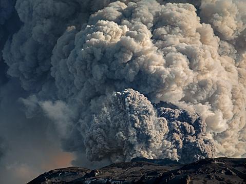Active Volcano「Eruption of Eyjafjallajökull, Iceland」:スマホ壁紙(17)