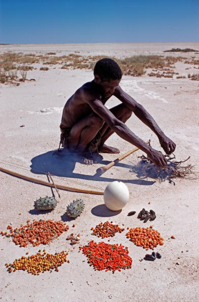 Side Lit「Bushman Or San With His Foods」:写真・画像(18)[壁紙.com]