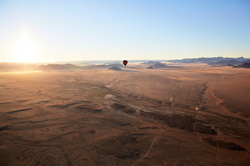 Dawn「Africa, Namibia, Namib-Naukluft National Park, Sossusvlei, Kulala Wilderness Reserve, air balloon」:スマホ壁紙(17)