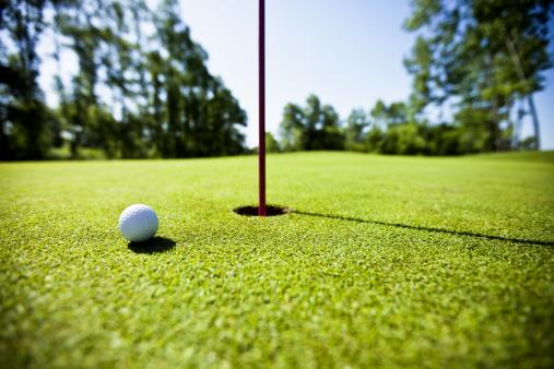 Putting - Golf「Golf grass court with ball」:スマホ壁紙(10)