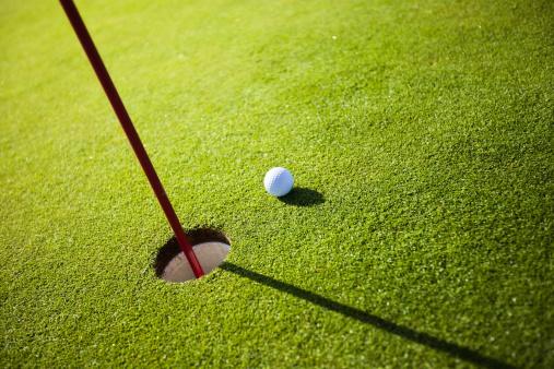 PGA Event「Golf grass court with ball」:スマホ壁紙(5)