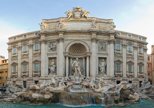 Roman「Dawn at the Trevi Fountain, Rome」:スマホ壁紙(16)