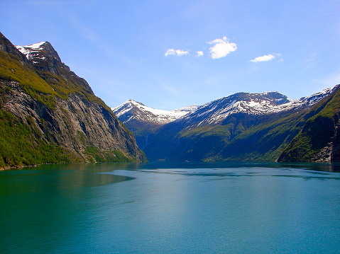 UNESCO「Crossing Norway impressive Geiranger Fjord by Ferry, Norwegian dramatic landscape, Scandinavia – Nordic Countries」:スマホ壁紙(3)