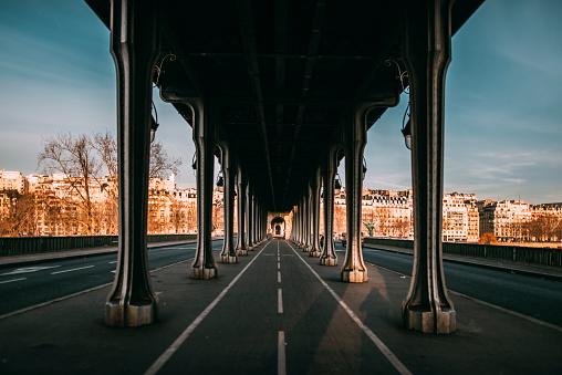 Dawn「Pont de Bir Hakeim, Paris」:スマホ壁紙(3)