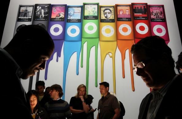 Big Tech「Apple Introduces Udated iPods」:写真・画像(4)[壁紙.com]