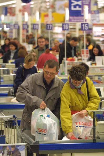 Paying「Czech Consumers Benefit From Rising Wages」:写真・画像(16)[壁紙.com]